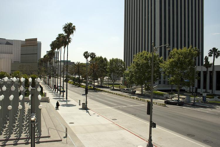 <p>The 16-mile Wilshire Boulevard travels through the Los Angeles Basin from downtown to the ocean.</p>