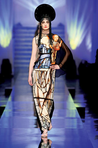 <p>The S/S 2007 &quot;Virgins&quot; collection, which was inspired by ancient religious images and stained glass.</p>
