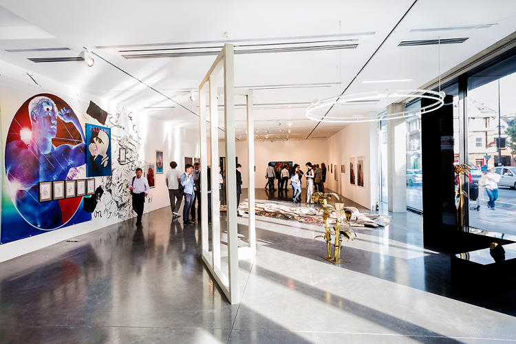 <p>The building holds a ground-level art gallery for student exhibitions.</p>