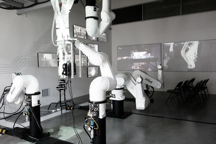 <p>At SCI-Arc's Robot House, architecture students have access to six massive robotic arms.</p>