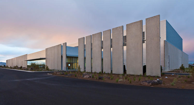 <p>WINNER: <a href=&quot;http://www.fastcodesign.com/1670696/ibd-awards-spaces-entries#1&quot; target=&quot;_self&quot;>SPACES</a><br /> Prineville Data Center<br /> <a href=&quot;http://www.sp-arch.com&quot; target=&quot;_blank&quot;>Sheehan Partners</a> for Facebook</p>