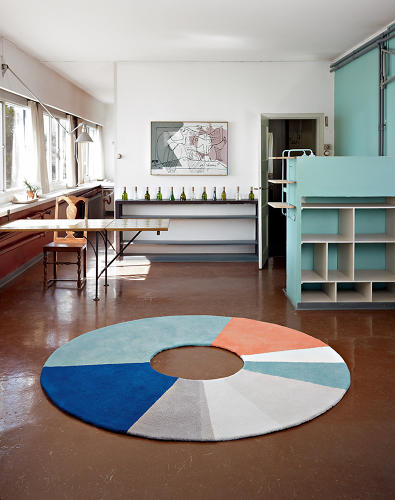 <p>Sylvain Aesbischer's Ring Rug gets the hues just right.</p>