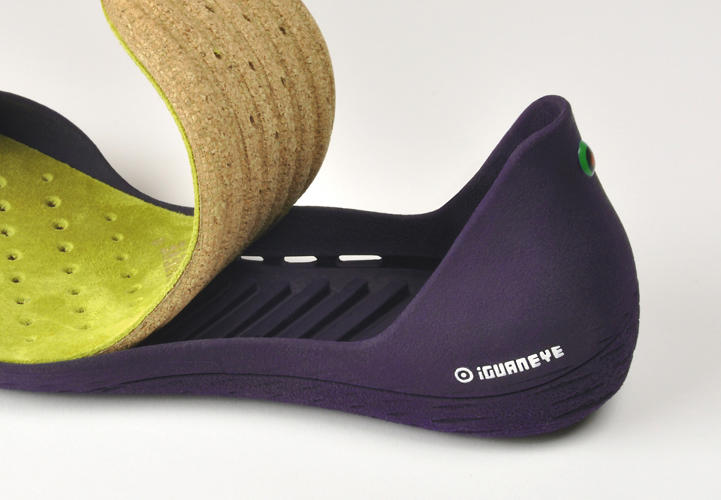 <p>The insole is made mostly of cork, and side vents keep air running underneath it to keep things dry.</p>