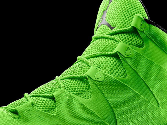 <p>It is the lightest and strongest shoe the Jordan Brand has ever produced, weighing in at 13.5 ounces. The neon green laces wrap around the foot to provide extra support.</p>