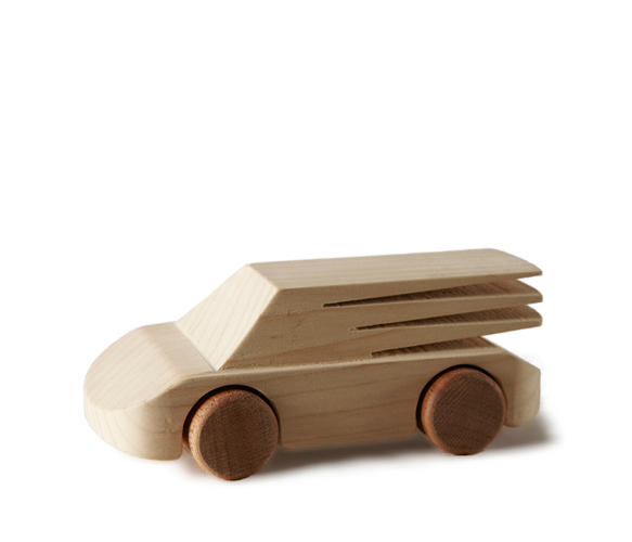 <p>A few years back, Italian designer Matteo Ragni started growing frustrated with toys that his kids would set aside after a few hours of play.</p>