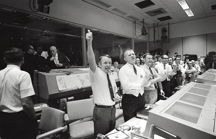 <p><strong>Stogie-Worthy</strong><br /> Mission Control celebrates the successful splashdown of the Apollo 13 crew.</p>