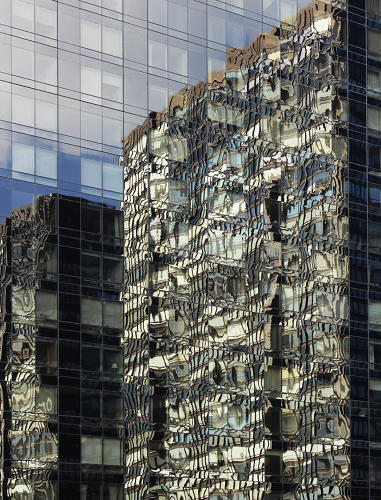 <p><em>NYC Fractals</em> is a series by the German photographer Carsten Witte.</p>