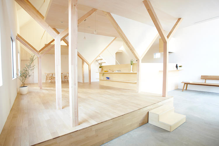 <p>The distinctive Y-frames that characterize the interior were designed to engender a &quot;relationship with the structure of the house in their daily lives,&quot; the firm's Sota Matsuura says.</p>