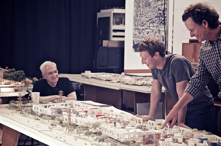 <p>Frank Gehry and Mark Zuckerberg share a laugh over the model for the planned Facebook West office.</p>