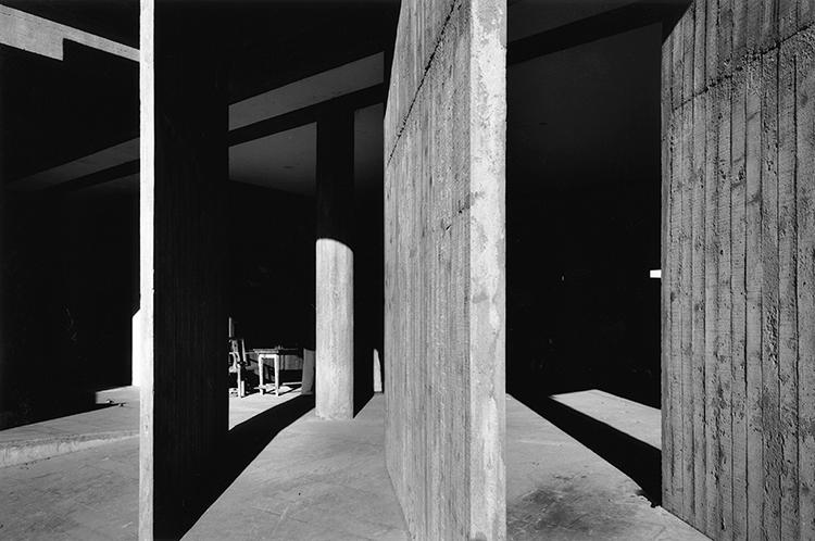 <p>The two met when Hervé, then a press photographer, wooed Le Corbusier with portraits of the latter's Unité d'Habitation. Corbu flattered the photographer, telling him he had &quot;the soul of an architect.&quot;</p>