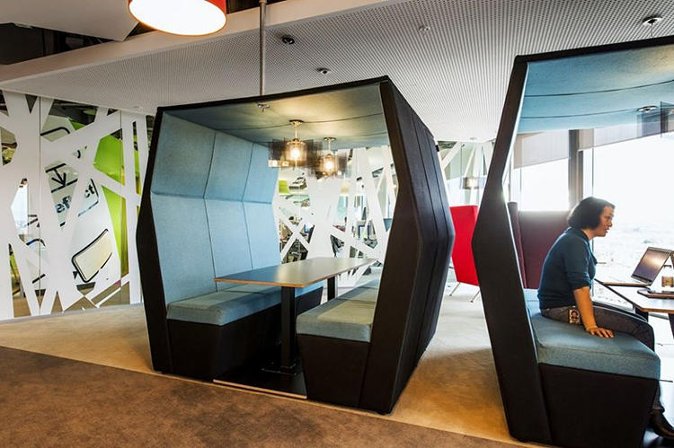 <p>The floors have their own amenities, including coffee stations and play areas, that form several informal meeting areas.</p>