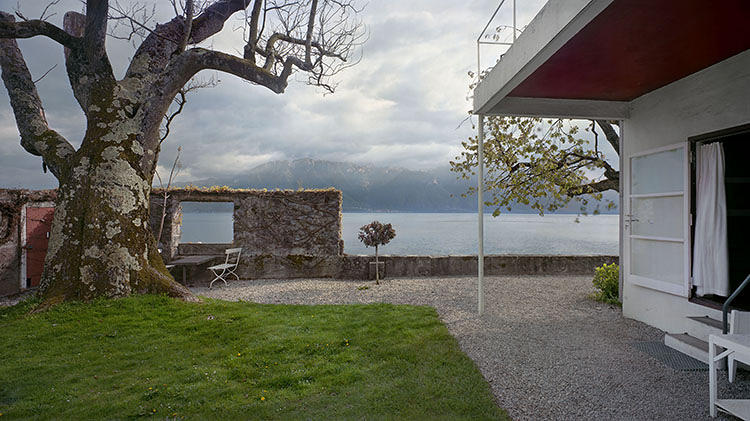 <p>The Villa Le Lac was designed as a machine for viewing the waters of Lake Geneva and mountain ridges hugging its shores.</p>  <p>Photograph: Richard Pare</p>