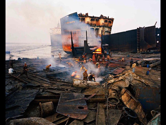 <p>Disassembling oil tankers.</p>