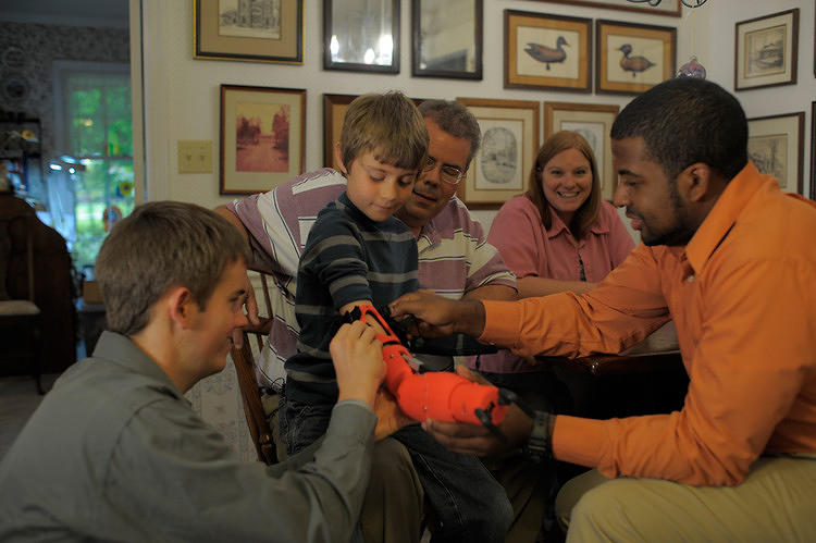 <p>8-year-old Daniel Wilson wanted a prosthetic to let him ride a bike and swing a bat (and he wanted it to be red), so <a href=&quot;http://www.fastcoexist.com/1680697/how-two-college-students-created-a-prosthetic-arm-for-an-eight-year-old&quot; target=&quot;_self&quot;>two engineering students found an ingenious way to make one for him.</a></p>