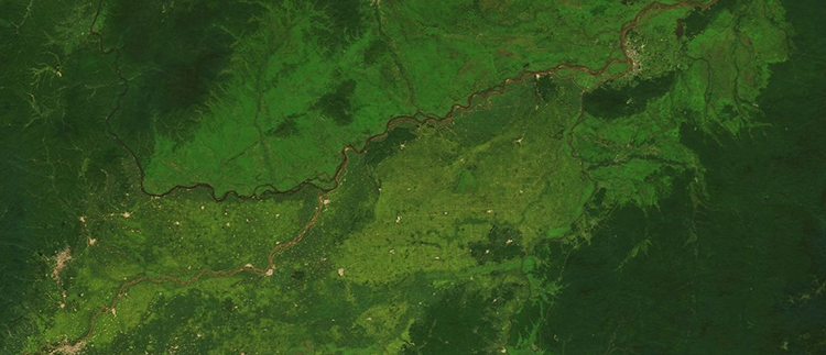 <p>&quot;Near the eastern end of the 2,600-mile-long Russia-China border, you can see the effects of much higher population density and more intensive agriculture on the Chinese (southern) side. This kind of distinction is hard to spot in conventional medium-resolution satellite imagery.&quot;</p>