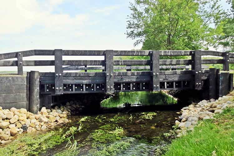 <p>Axion's Onion Ditch Bridge in Ohio is the longest bridge in the country made from 100% recycled materials.</p>