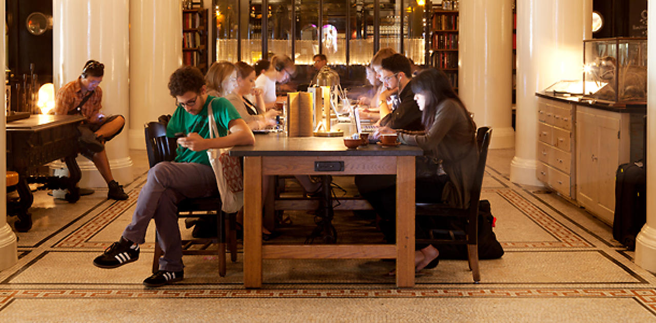 Ace hotel 39 s communal workspace shows a winning hand fast for American cuisine restaurants nyc