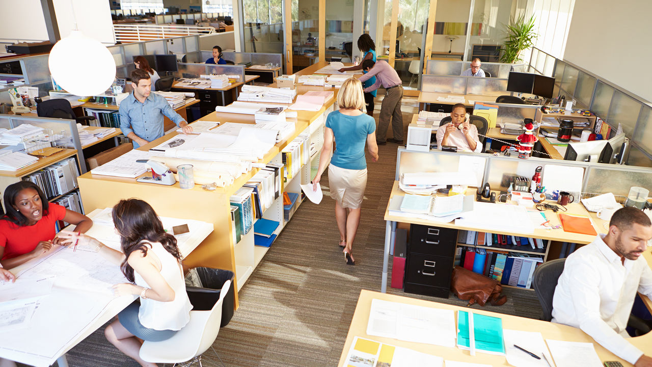 Remaking open offices so introverts don 39 t hate them co for Open bank oficinas