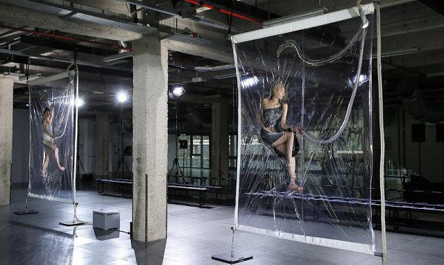Iris Van Herpen Vacuum Packed Her Runway Models Co Design Business Design