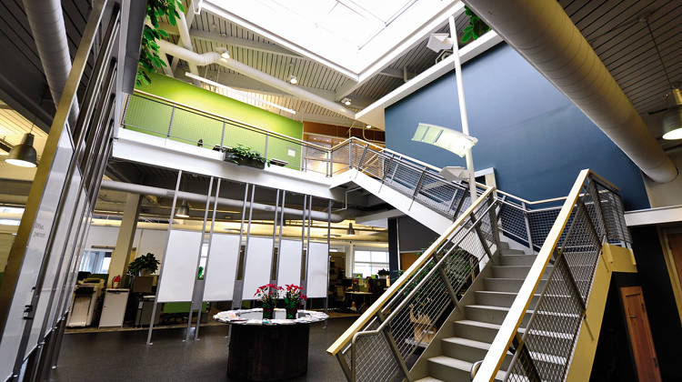 <p>Over the past year and a half, residents of the GRid70 coworking space have freely shared trade secrets, forecasts, and research.</p>