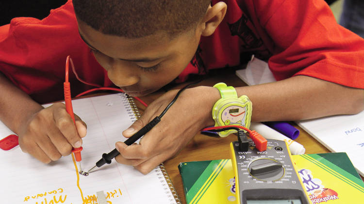 <p>Institute of Play created a hands-on lab in Chicago to let middle-school kids experiment with computing.</p>