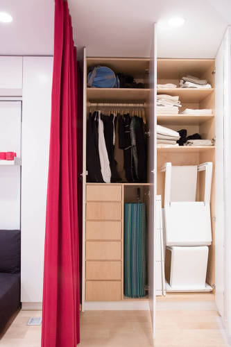 <p>Graham's apartment makes use of every available inch of space. Storage area is efficient and utilized well.</p>