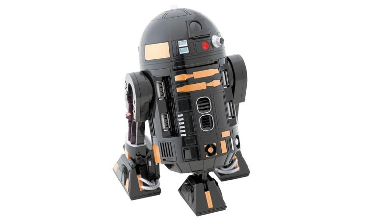 <p>Multifunctional, with great expansion port options... this is the Apple R2-Q5 utility droid. We mean the Star Wars mech robot-turned novelty USB hub.</p>