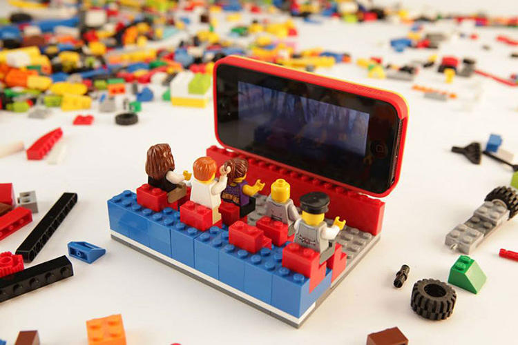 <p>For example, you can use the Builder Case to turn your iPhone into an HDTV for your little Lego minifigs.</p>
