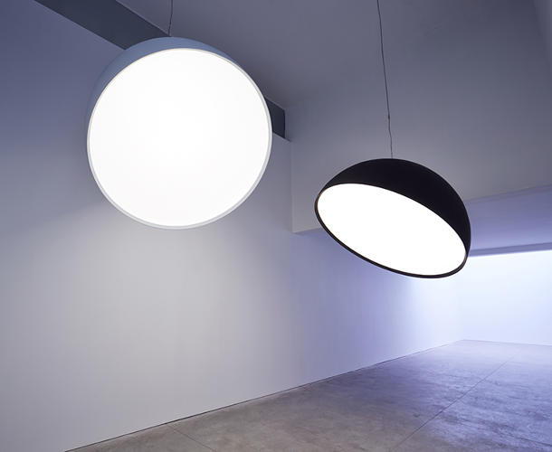 <p>Artist and light designer Paul Cocksedge's first solo exhibit, called <em>Capture</em>, is in New York City.</p>