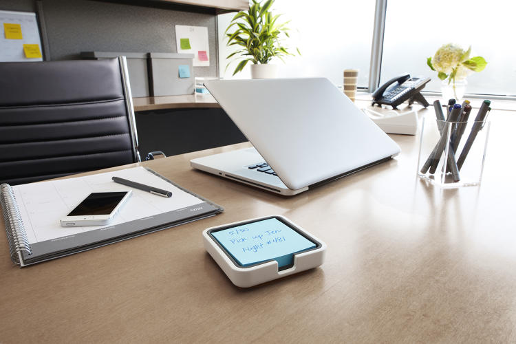 <p>On Thursday, 3M and Evernote debuted Post-it Super Sticky Notes in four colors, Post-it Big Pad, and two note dispensers.</p>