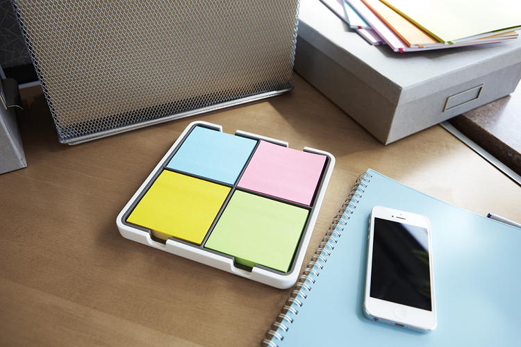 <p>Post-it's Notes in electric blue, electric yellow, neon pink, and limeade are automatically recognized and categorized by the Evernote app.</p>