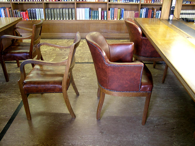<p>These are the second-generation chair designs for the Bodleian Library, from 1936.</p>