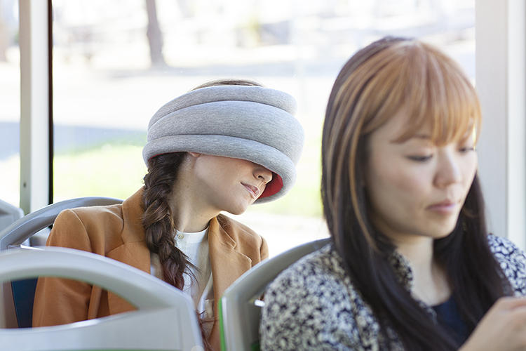 <p>See the easy commuter applications? Where the original Ostrich Pillow, and then the Ostrich Pillow Junior, enveloped the entire head--turning the user into a giant living plush toy--the Light is far less eccentric.</p>