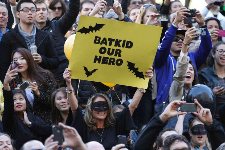 <p>All tweets before the event directed back to a single link--the Make-a-Wish site containing the details for everything that would happen during Batkid's adventure.</p>