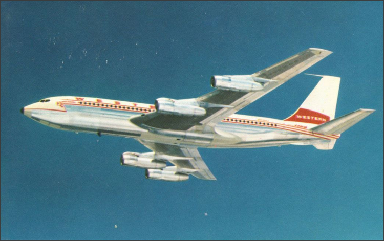 Commercial Airplanes Flying