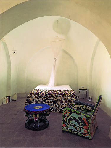 <p>The bedroom in Christian Louboutin's adobe house in Luxor, Egypt.</p>
