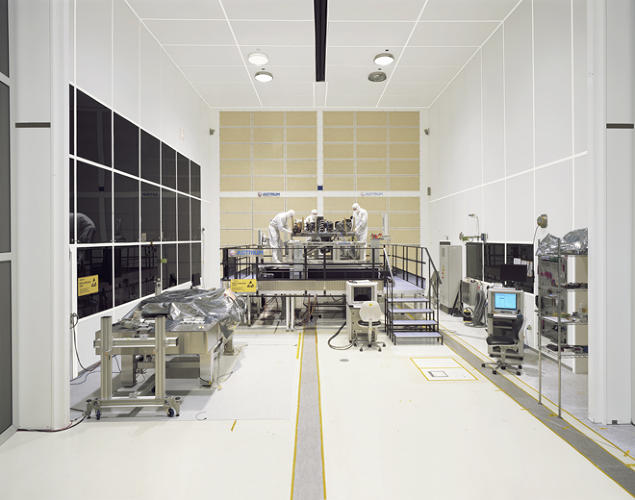 <p>NIRSpec Flight Model Assembly at ISO Class 5 Integration Facility, Astrium (Ottobrunn-Munich, Germany)</p>