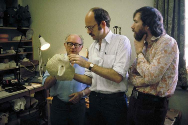 <p>Frank Oz and Jim Henson inspect the Yoda puppet.</p>