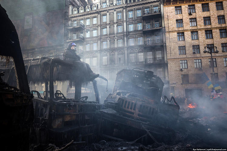 <p>&quot;January 2014. Temporary cease fire at Maidan.&quot;</p>
