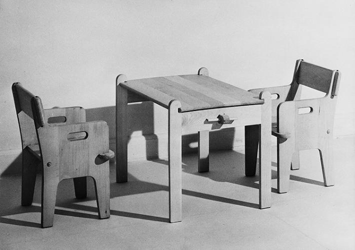 <p>Wegner worked his entire life to improve traditional Chinese and English chair designs, enhancing their artistic and sculptural qualities while also constructing them for mass production.</p>
