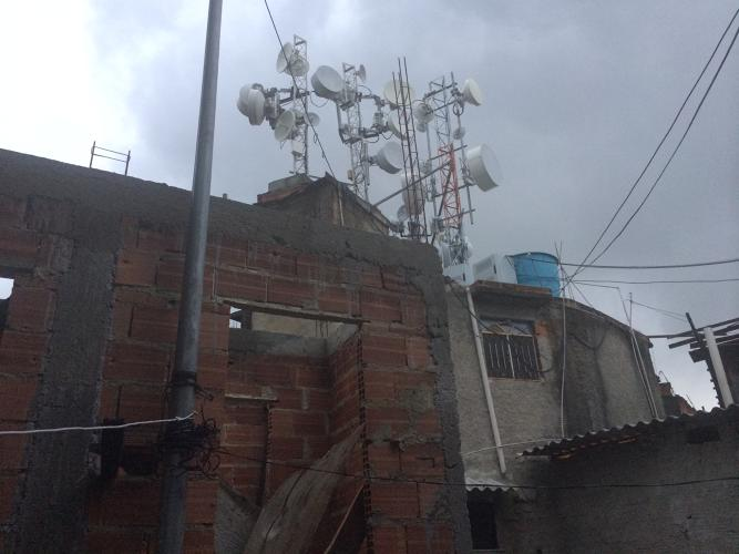 <p>Because Providencia towers above Rio, residents rent their rooftop space for radio and television stations.</p>