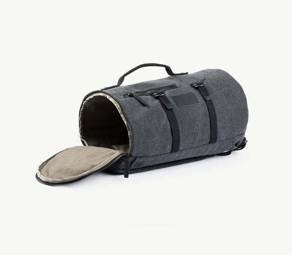 <p>Canvas &amp; Leather Duffle in Charcoal</p>