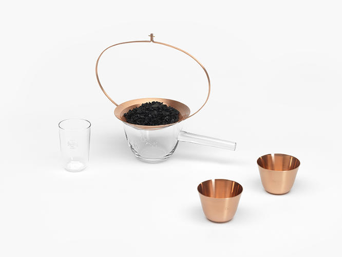 <p>In a tribute to the Lobmeyr tradition, the designers included in the collection two customized versions of the Candy Dish designed by Oswald Haerdtl for the company in 1925, now to be used as containers for &quot;activated charcoal.&quot;</p>
