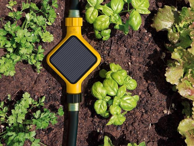 <p>The Edyn Garden is an elegant soil probe that helps growers track their crops remotely.</p>