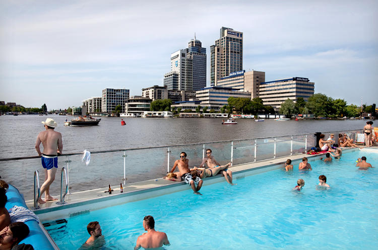 <p>A floating swimming pool in the Amstel river.</p>