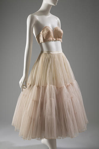 <p>You could wear elaborate underwear that flaunted your sexuality and it was no longer considered scandalous. A Christian Dior bra and petticoat, 1949/1951.</p>