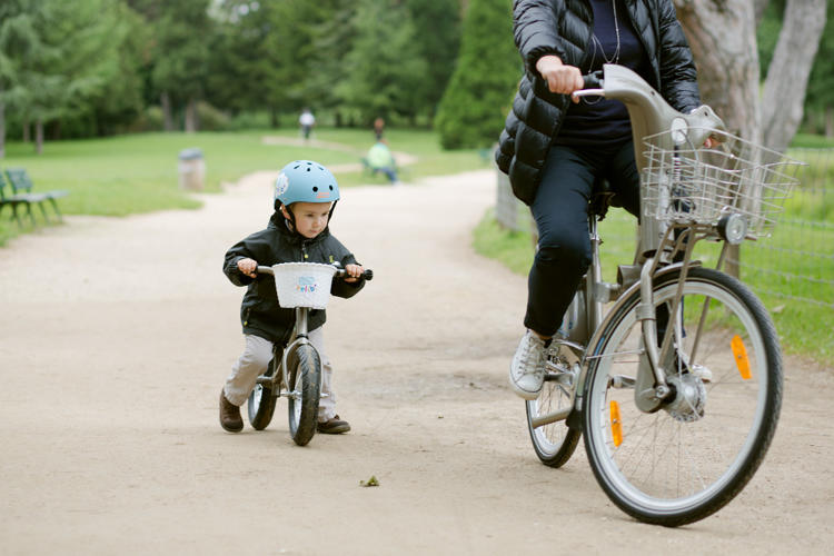 <p>Paris can now claim to have a bike-share feature that other cities don't: bikes for tykes.</p>