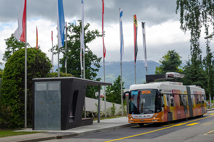 <p>But a new system from researchers at the Swiss Federal Institute of Technology makes it possible to charge up a battery in 15 seconds--quickly enough that if the chargers are set up at bus stops, the battery can refill while passengers are getting on.</p>