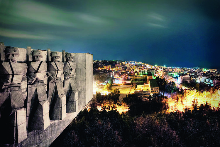 <p>The Bulgarian-Soviet Friendship monument, a 10,000-ton concrete tribute in Varna, Bulgaria.</p>