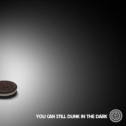 <p>Oreo's fast-on-its-feet tweet, capitalizing on the blackout that occurred during the Super Bowl, becomes the paradigmatic real-time marketing move.</p>